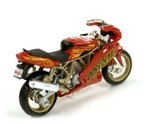 DD-Ducati-Supersport-900