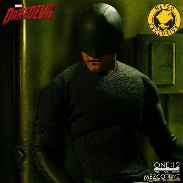 mezco-toyz-daredevil-vigilante-06
