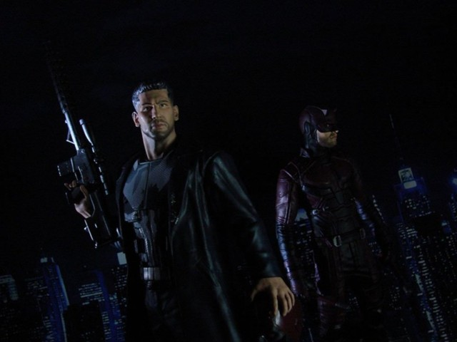 diamond-select-daredevil-punisher-pvc